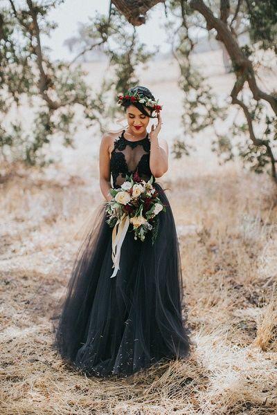 De mooiste zwarte trouwjurken - www.bruiloftinspiratie.nl