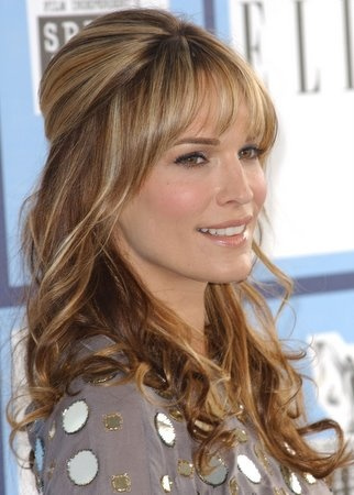 Google Image Result for http://www.hairstyleswatch.com/UserFiles/Image/2008%2520FEBRUARY/Molly%2520Simms%2520SV.jpg