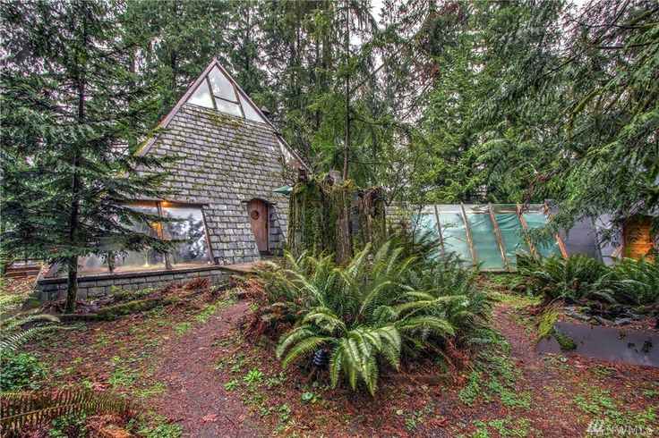 Snohomish? More like Snohom-YES! This amazing home for sale is the coolest home you'll see today and it WILL make you want to move to northwest Washington.
