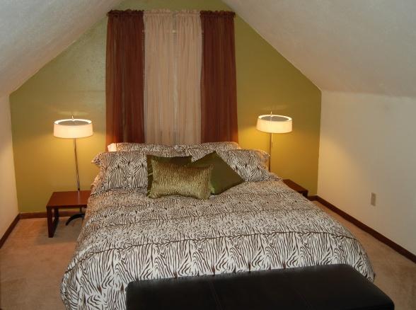 1000 images about attic ideas on pinterest bonus rooms for Cape cod attic bedroom ideas