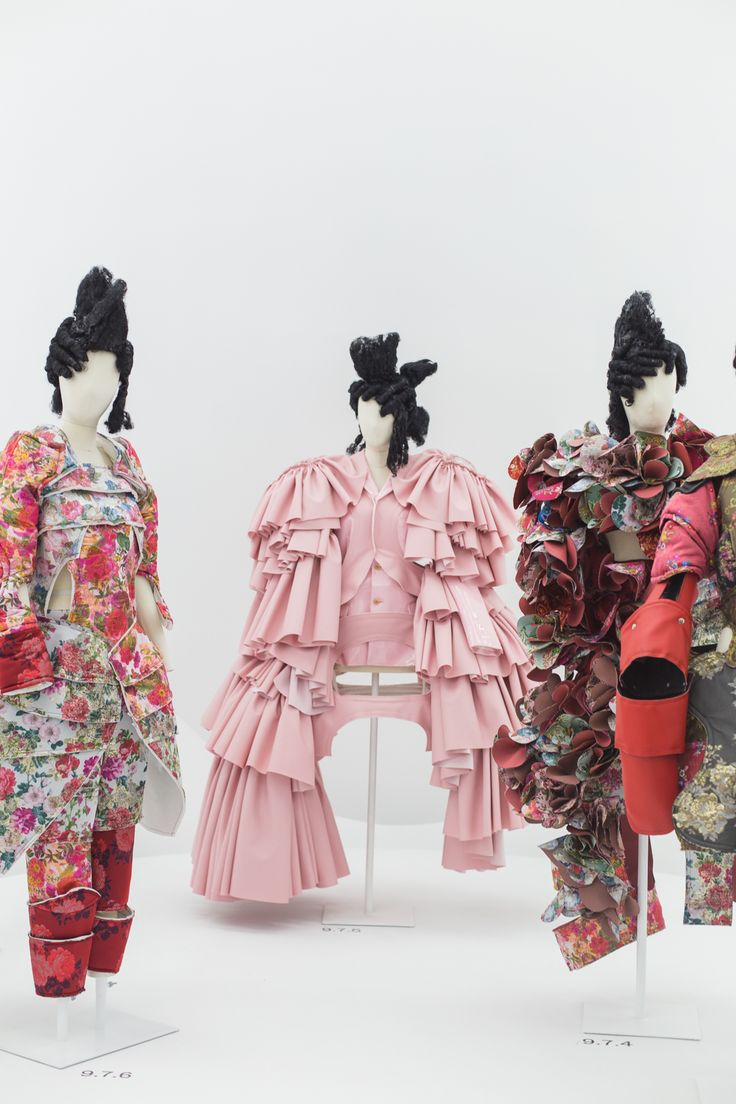 Rei Kawakubo Metropolitan Museum Of Art - First time visiting New York? I'm sharing some practical tips, including where to stay, what to see and how to get around.