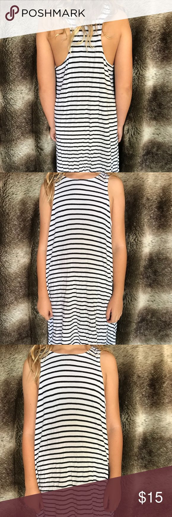 Black and white striped short dress!! Adorable comfy, striped dress!! In great condition! Dresses Mini