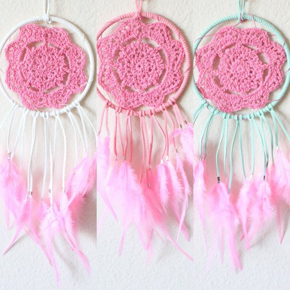 5 Hoop wrapped in faux suede in either white, pink or mint. Pink crocheted doily and pink feathers.