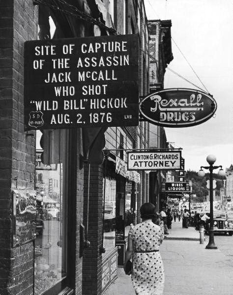 Who shot Wild Bill?  legrandcirque:        Alfred Eisenstaedt, Deadwood, South Dakota, USA, 1940.    (via rod42): 1876 1940, Southdakota, Hickok Aug, Circa 1940S, Street Signs, Bill Hickok, South Dakota 1940, Dr. Who, Assassins Jack