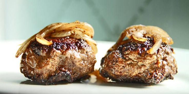 oppskrift - Det er ett triks og to krydder som gjør kjøttkakene perfekte.