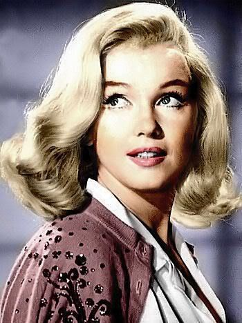Browse all of the Marilyn Monroe photos, GIFs and videos. Find just what you're looking for on Photobucket