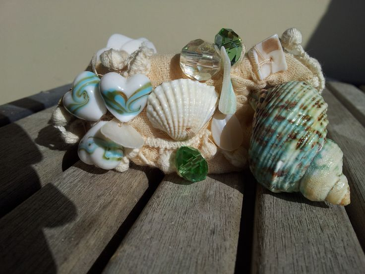 Beachy bracelet with shells