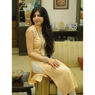 Pakistani girl in tight light yellow dress | Salwar Kameez | Pinterest ...