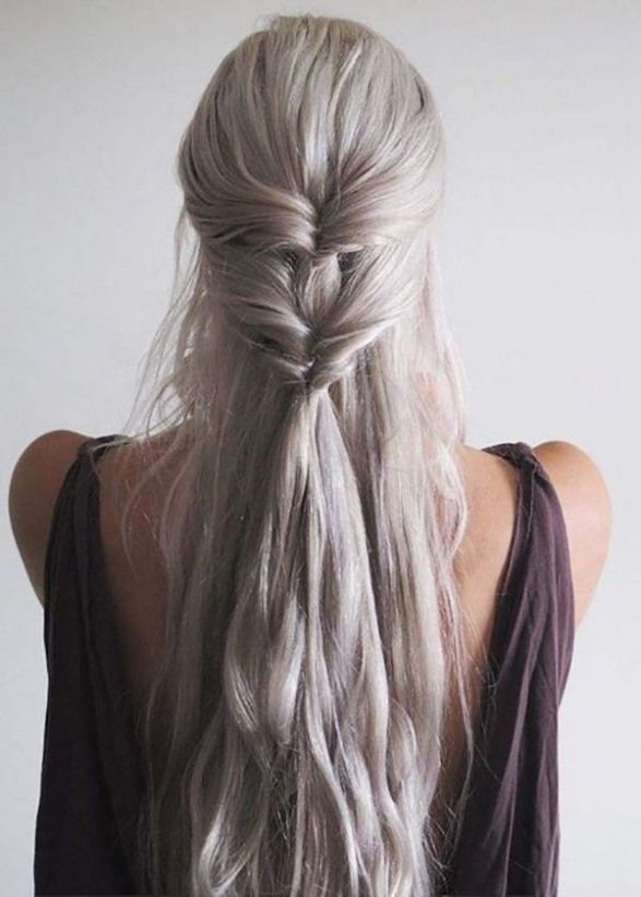 Khaleesi Inspired Twist: Game of Thrones fan girls will be thankful for this DIY style that is simple and stunning. By looping your ponytail through i...