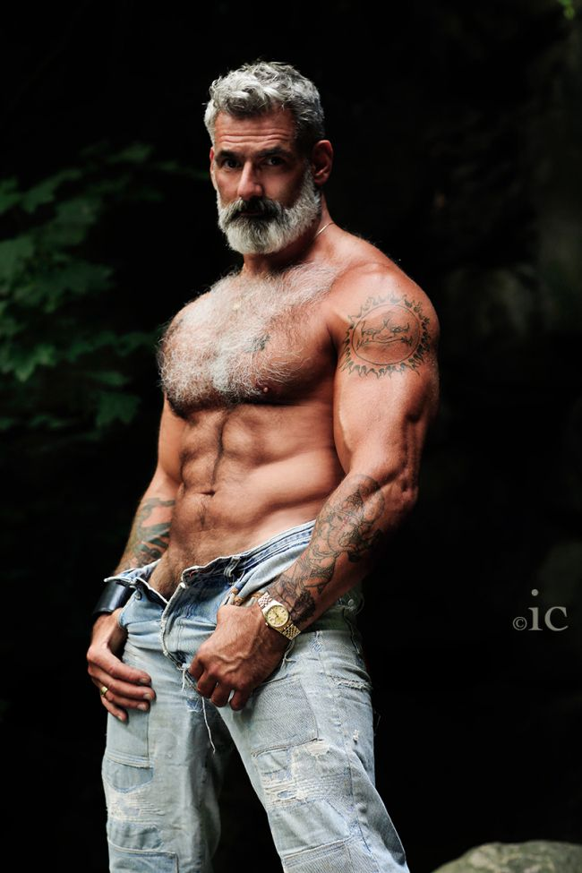 1000+ images about I LOVE me some HIM on Pinterest | Silver foxes ...