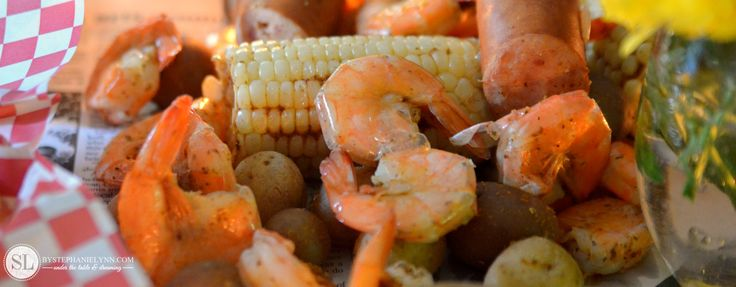 Shrimp Boil - dinner party with Sam's Wholesale Club #trysamsclub | summertime shrimp boil recipe. These hearty, one-pot smorgasbords are crowd pleasers and perfect for laid back entertaining.