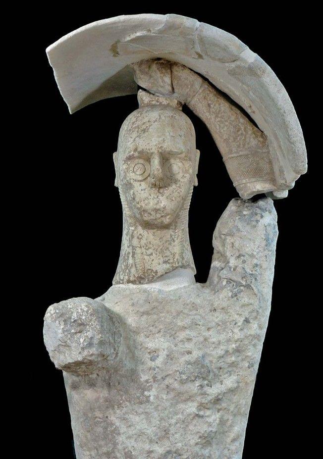 Cabras, la necropoli di Monti Prama :: tutto quello che volete sapere su una delle necropoli della Sardegna più famosa al mondo e su i suoi Giganti di pietra.