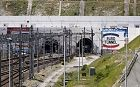 Video: Eurotunnel services suspended as migrants storm tunnel