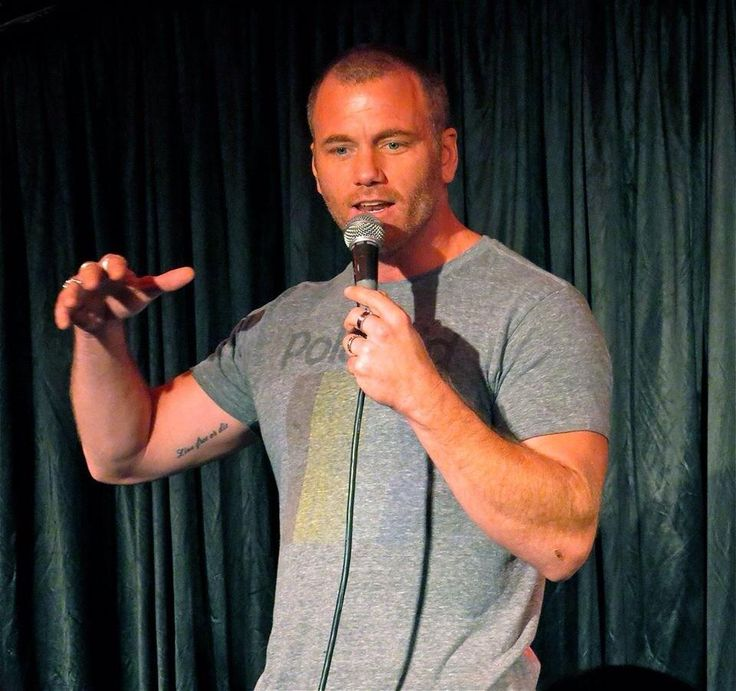 Big thx to @DENISEVASQUEZ for taking this pic at @TheComedyStore last night!