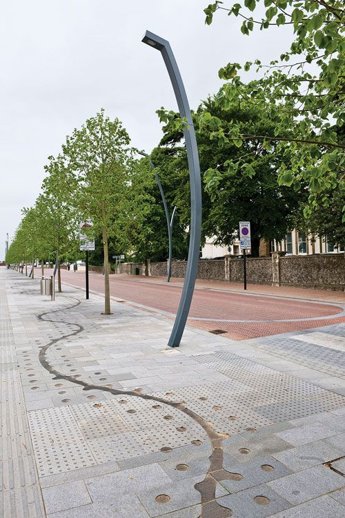 Shared space Ashford - water feature, surface treament favouring pedestrian, tactile paving #landscapearchitecturewater