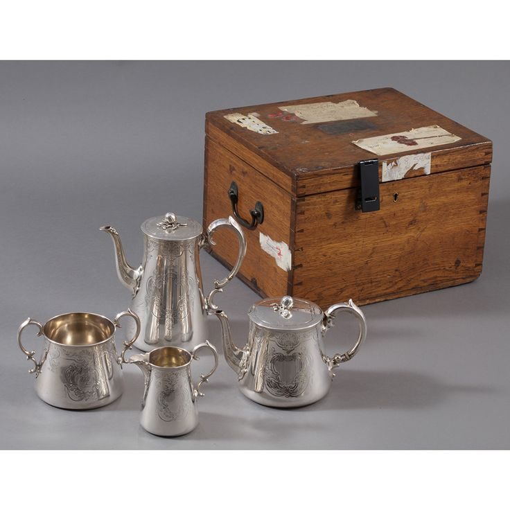 Set of 4 pieces for serving  Tea and coffee,   in sterling silver, with original wooden trunk, with original wax seal lacquer.  Punch for London 1866  provenance England