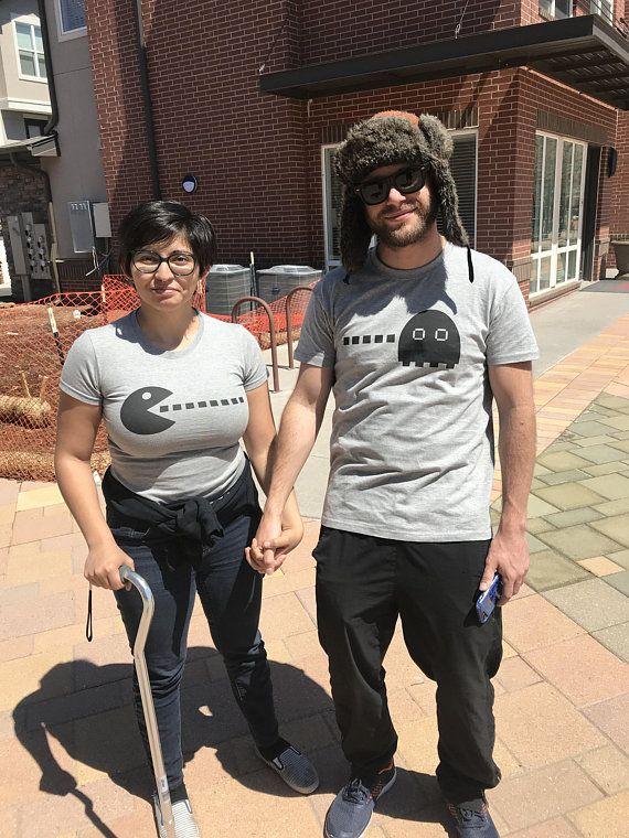 13b796d1 Matching couple t-shirts