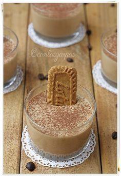 Si hay algo que adoro en esta vida en un postre es....que lleve café. Me requetechifla!!! Soy incapaz de resistirme a un tiramisú, unos eclaris, unas galletitas, un pastel... Vamos, sólo teneis que...