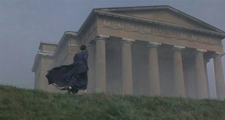 The wind. The fog. The feeling of emptiness. Tatyana in front of Onegin's estate.  Onegin (1999) / Онегин; director: Martha Fiennes
