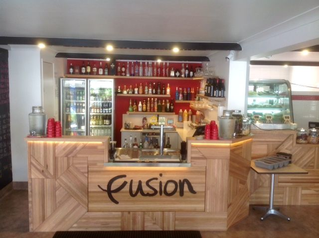 Stay at Fusion and come and drink in this sensational bar where you will experience some really delicious cocktails, fabulous wines and really cold beers.