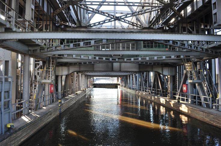 Schiffshebewerk Niederfinow - Europas größter Schiff-Fahrstuhl