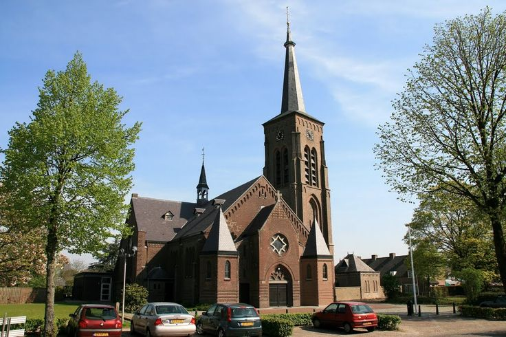 Wintelre - Kerkstraat: St. Willibrorduskerk. auteur: Scholte
