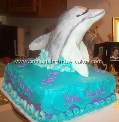 I'm not very skilled with fondant, but I think I could do this...