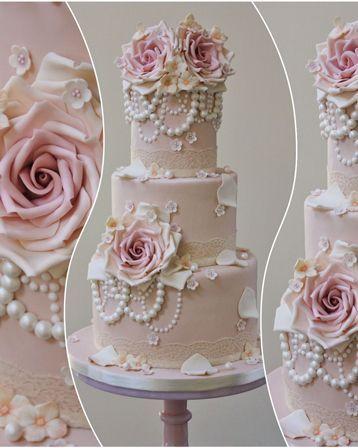 Lace Wedding Cakes #vintagewedding #lacewedding #laceweddingcakes