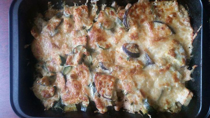 Egy finom Csirkés egytálétel cukkinivel és padlizsánnal ebédre vagy vacsorára? Csirkés egytálétel cukkinivel és padlizsánnal Receptek a Mindmegette.hu Recept gyűjteményében!