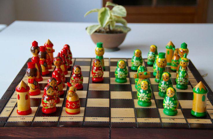 Vintage Original Hand Painted Chess Set from Soviet Union-Belarus,Vitebsk-1980's.(Schachspiel aus der Sowjetunion)-Made in USSR.RARITÄT!(9) von SovietGallery auf Etsy