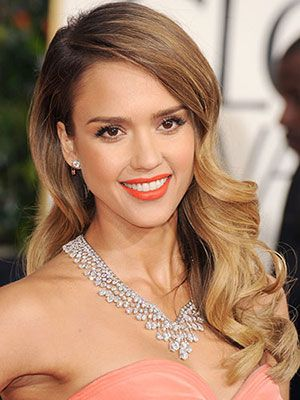 Jessica Alba had the best hair of the night at the 2013 Golden Globes in our opinion...drop dead GORGEOUS!