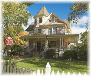 White Lace Inn a Door County Bed and Breakfast in Sturgeon Bay, WI ~ A Very Romantic Get-Away!