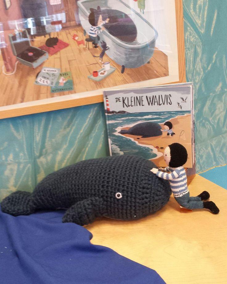"""De Nationale Voorleesdagen 2017 """"De kleine walvis """" gehaakte walvis en Boy"""