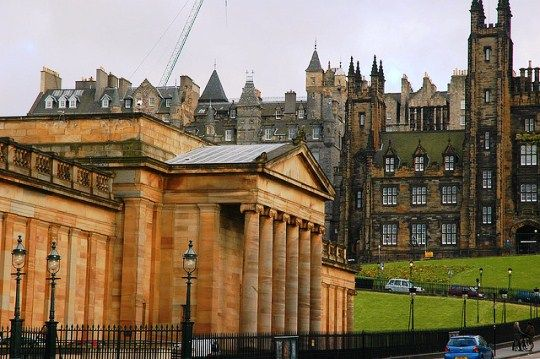 11 Things To Do in Edinburgh for under €10. That picture you see? I've been there, seen it, walked by it.