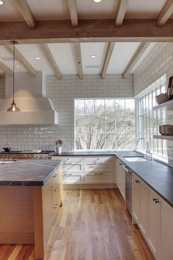 Corner Window Featured In Contemporary Kitchen Silverleaf Scottsdale Spiral Architects Gene Kniaz Contemporary Kitchen Corner Window Kitchen Remodel