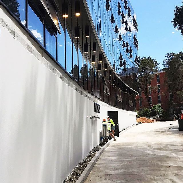 A great site inspection at the ANU student Campus in Canberra. Shown is our engineered coatings over the Dincel substrate. We would like to thank Cockram Constructions for choosing our engineered coatings, and thanks to The Ideal Group for a great job on application. For more information on our application, head over to our website. Link in our bio.  #perspective #architect #architecture #architectural #astecpaints #blue #sky #design #morning #designer #uni #white #modern #apartments…