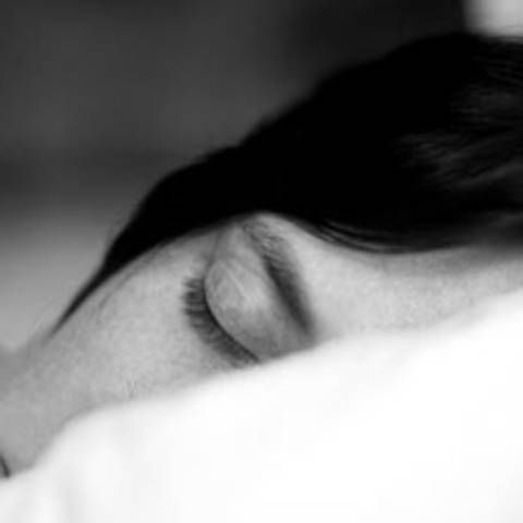 Atemübung: Schnell einschlafen kann so einfach sein