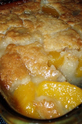 A seasonal Peach Cobbler with a Bisquick topping.2 cups fresh sliced peaches (or one 29 ounce can of sliced peaches, drained) 1 cup Bisquick mix (all purpose flour may be used, but Bisquick is the best choice for flavor) 1 cup of milk 1/2 teaspoon nutmeg 1/2 teaspoon cinnamon 1/2 cup butter, melted 1 cup of sugar