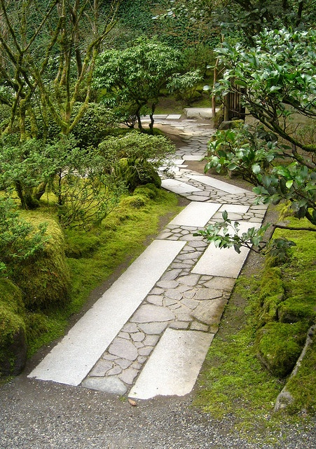 17 best images about recycling concrete bricks ideas for Japanese garden path