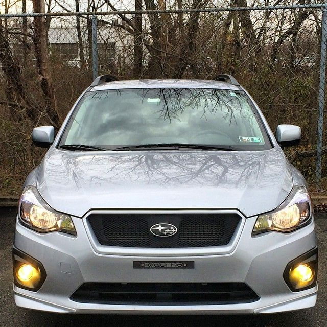 Installed some yellow 3000k HID bulbs for my fog lights last night. Swapped out the fog light assemblies with ones from a 2011 Outback. And used a 2504 to H11 conversion kit from ijdmtoy to install H11 HIDs. #subaru #impreza #subie #icesilver #fb20 #hid #3000k #kensun #outback #ijdmtoy