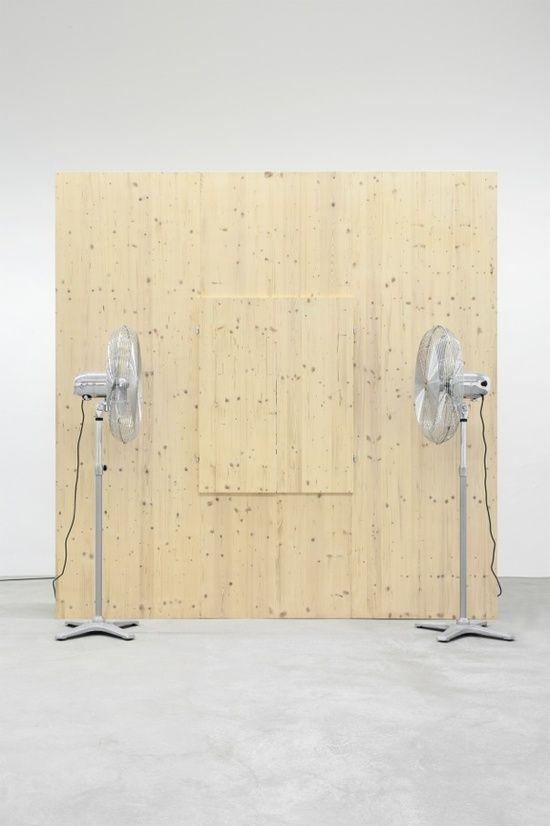 Roman Signer: Fensterläden, 2012 Wood, fans 280 x 280 x 160 cm
