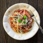 Špagety pomodoro so sušenými rajčinami a cuketou