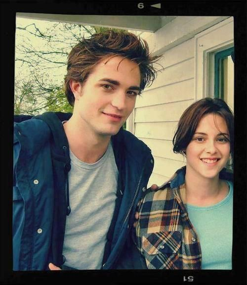 Twilight set pic Look how young they both were and now all grown up.