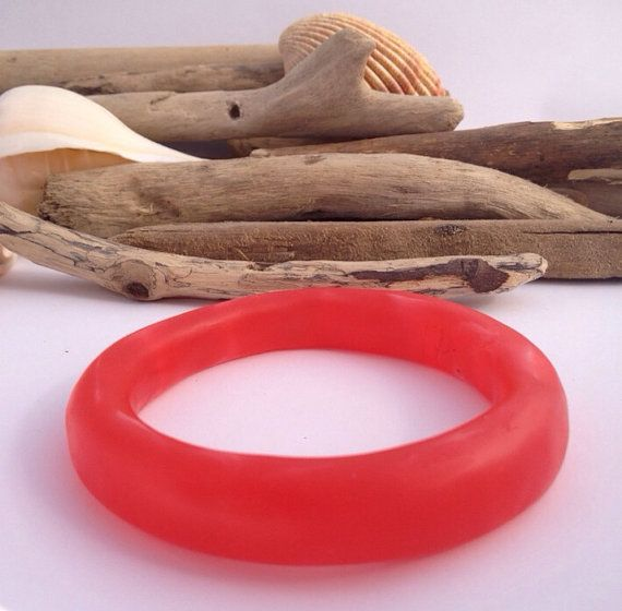 Gently marbled red eco-resin organically shaped bangle