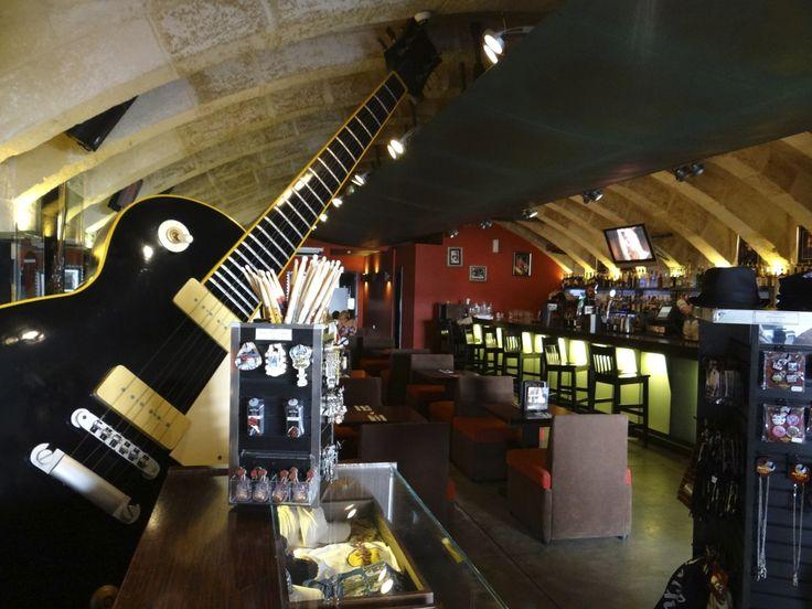 Valleta, Malta - Hard Rock Cafe (PORT) - Inside