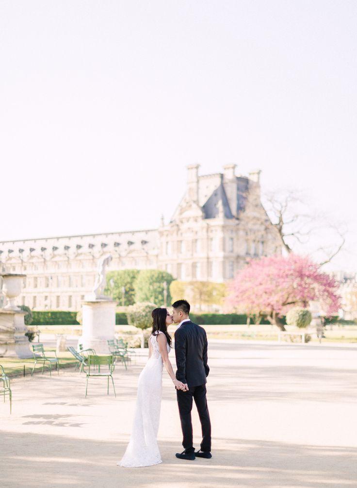 Paris Pre-Wedding Portraits | Destination wedding photographer | photo: ARTIESE (www.artiesestudios.com)