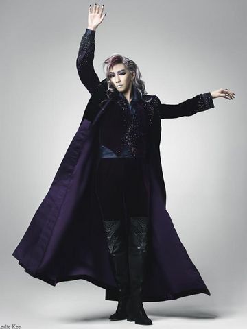 Fabulous costume design!