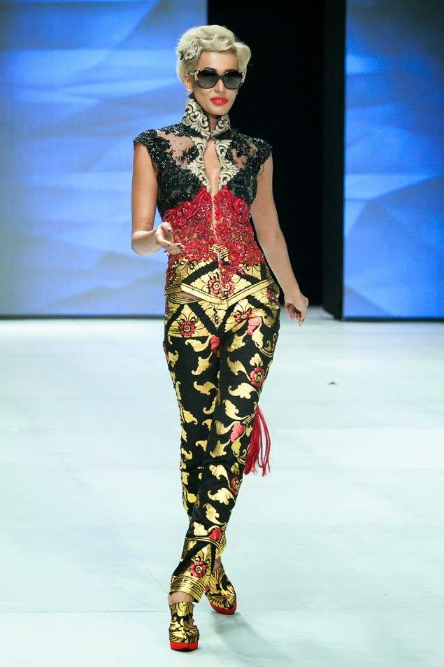 Koleksi Kebaya Anne Avantie: Indonesia Fashion Week 2014