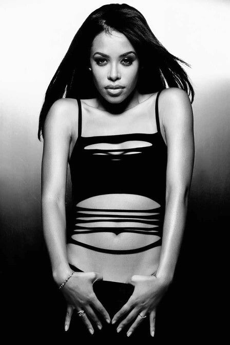 "( 2016 † IN MEMORY OF) - † ♪♫♪♪ AALIHAH (Aaliyah Dana Haughton) Tuesday, January 16, 1979 - 5' 7½"" - Brooklyn, New York City, New York, USA. Died: Saturday, August 25, 2001 (aged of 22) - Marsh Harbour, Abaco Island, Bahamas. Cause of death; (airplane crash)."