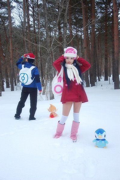 Pokemon trainer Dawn and Lucas cosplay